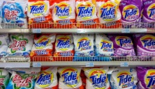 BEIJING, CHINA - 2015/01/30: Tide and Arial laundry powder on the shelves in a Chinese supermarket.  Tide and Arial are both the sub-brands of P&G.   P&G Profit Falls 31% as Stronger Dollar Hurts Sales Abroad.  P&G said currency effects will continue to be a drag in the current fiscal year. (Photo by Zhang Peng/LightRocket via Getty Images)